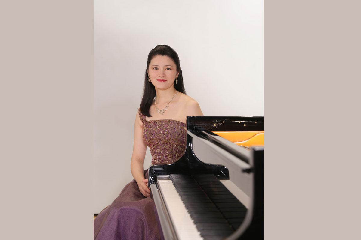 Foto Akane Tanaka am Klavier